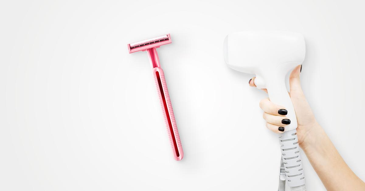 Różowa jednorazowa golarka igłowica lasera diodowego na szarym tle.