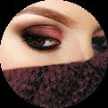 kobieca twarz z przysłoniętą buzią i nosem
